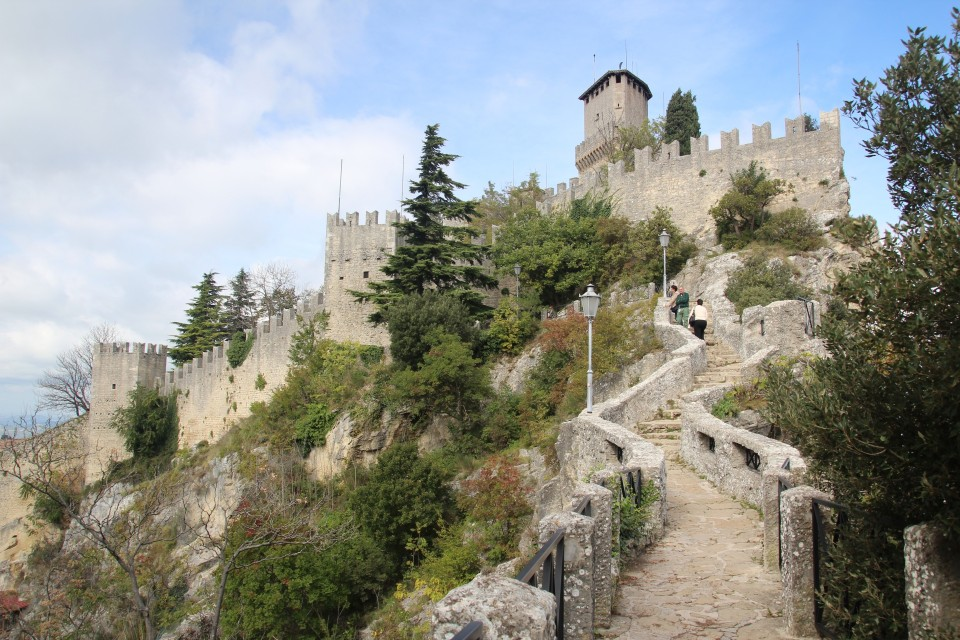 16 San Marino